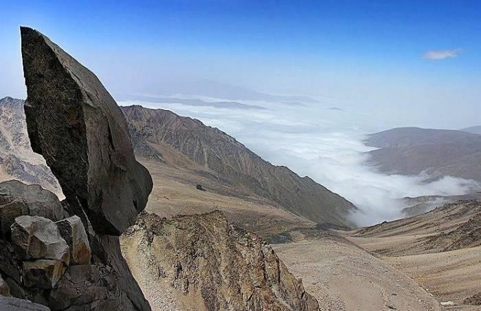 سنگ سماور ؛ عجیب ترین سنگ ایران در علم کوه