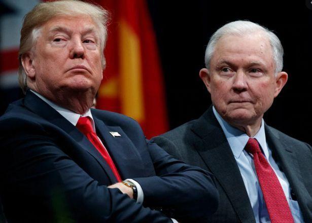 خبرنگاران جنگ لفظی ترامپ با وزیر مستعفی دادگستری آمریکا به فضای مجازی کشیده شد
