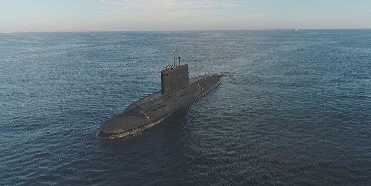فیلم ، جابه جایی زیردریایی 2300 تنی نیروی دریایی ارتش